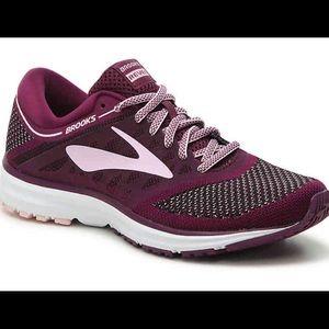 Brooks Womens Revel Sneakers Running 75